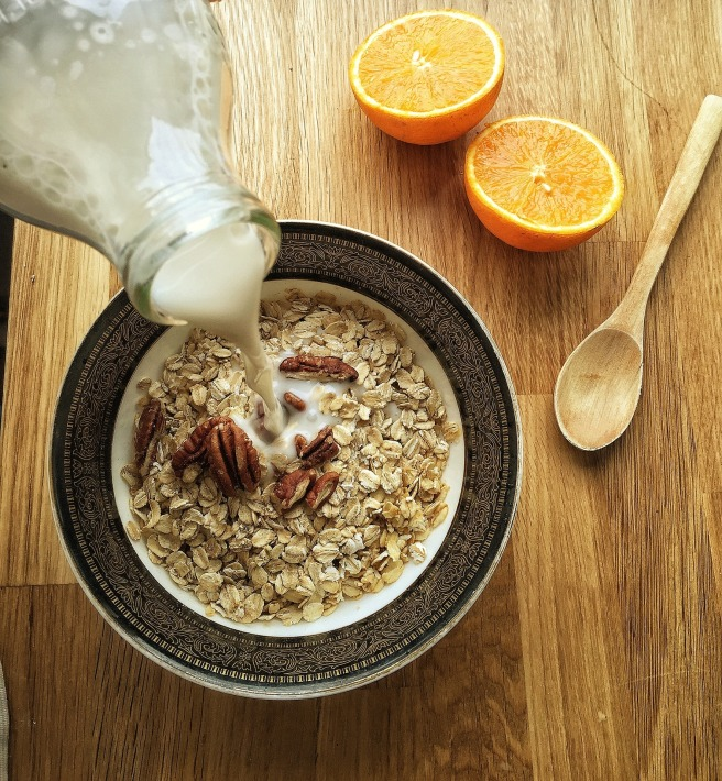 almond-milk-1074596_1920.jpg