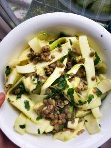 Yeşil Mercimekli Avokadolu Kabak Salatası
